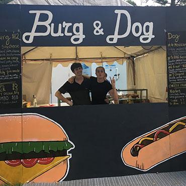 Burg&dog-370x